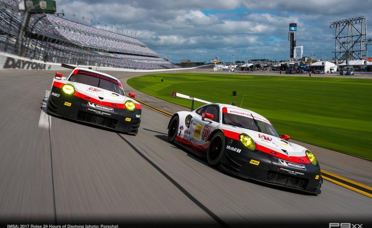 What's better than Porsche's and racing? BRUNCH!!